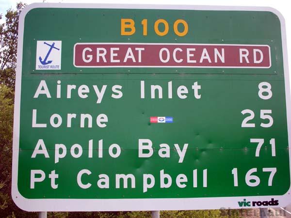Straßenschild auf der Great Ocean Road