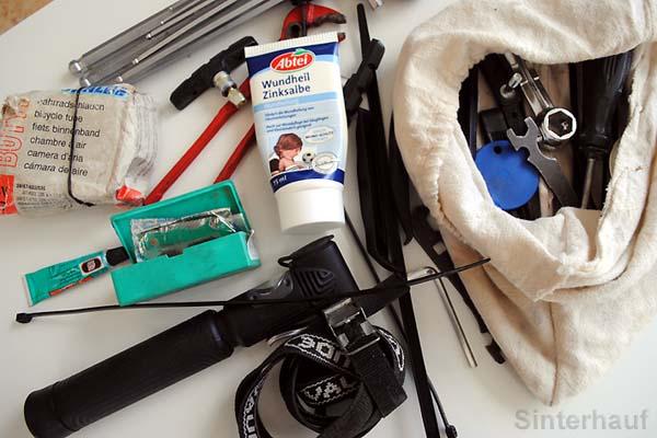 Wichtige Tools und Ersatzteile.