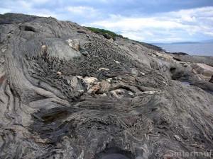 Interessante Felsenküste bei Molde