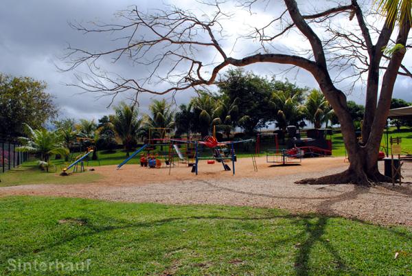 Spielplatz mit karibischem Flair im Casela Birdpark