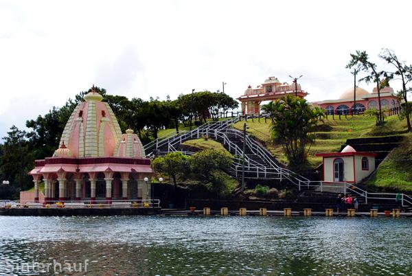 Tempelanlagen am Grand Bassin
