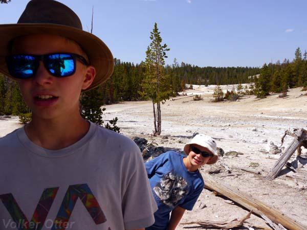 Yellowstone Canyon Clear Lake - Ribbon Lake Trail