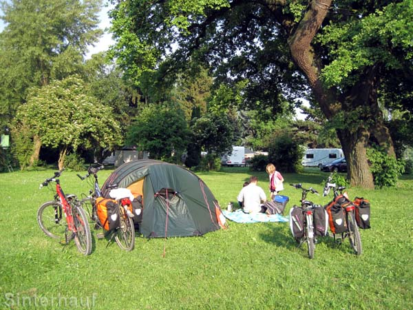 Zelten und Radfahren - eine sehr umweltfreundliche Art zu reisen
