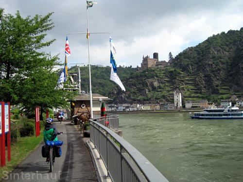 Rheinradweg vor Koblenz