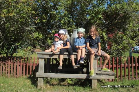 Die Kinder der Familie auf Kurs