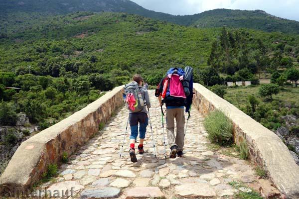 Über die Brücke weiter auf dem Mare e Monti