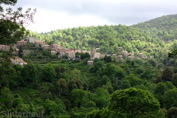 Malerisch gelegen - die Ortschaft Marignana