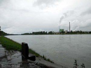 Trübe Aussicht auf den Rhein