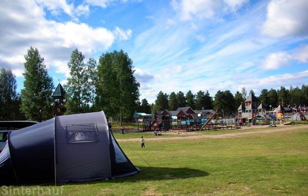 Zelten ist günstig und familienfreundlich