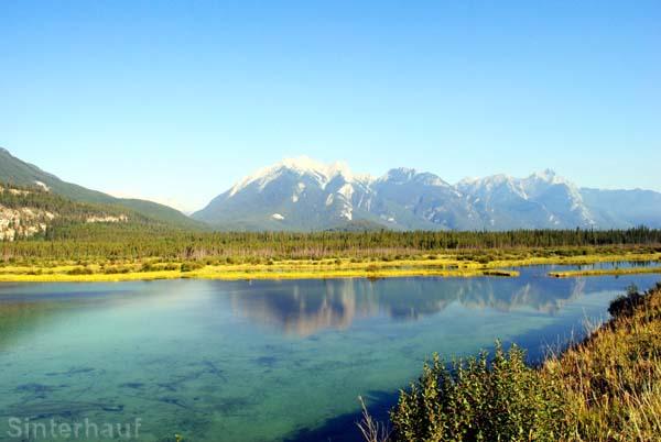 Bezaubender namenloser See im Jasper Nationalpark