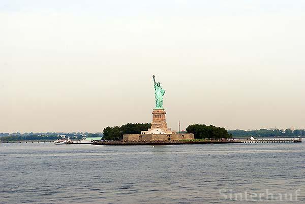 Lady Liberty aus der Ferne