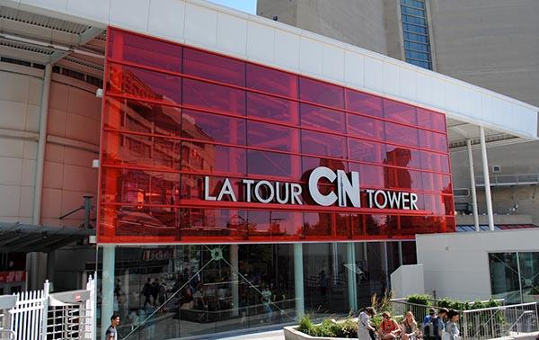 Eingang zum CN Tower