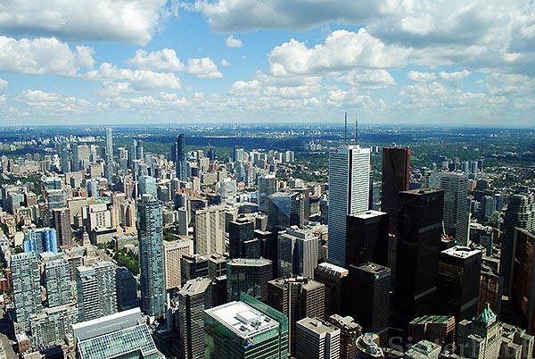 Aussicht vom CN Tower über die City von Toronto