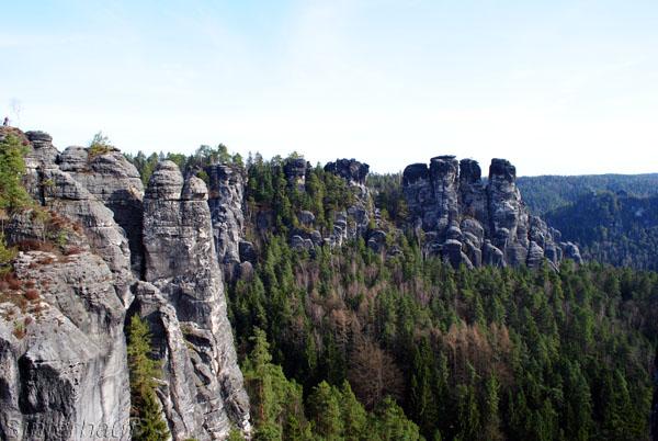 Zahlreiche Felsformationen kennzeichnen die Sächsische Schweiz