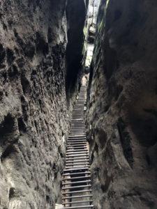 Solche Treppen sind auf dem Malerweg keine Seltenheit