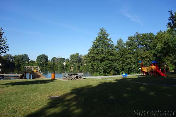 Badesee, Spielplatz und Campingplatz in Sulzfeld