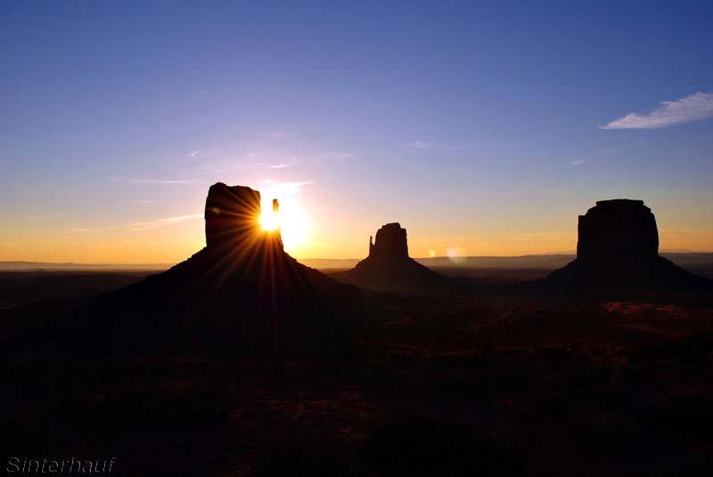 Der Morgen erwacht am Monument Valley