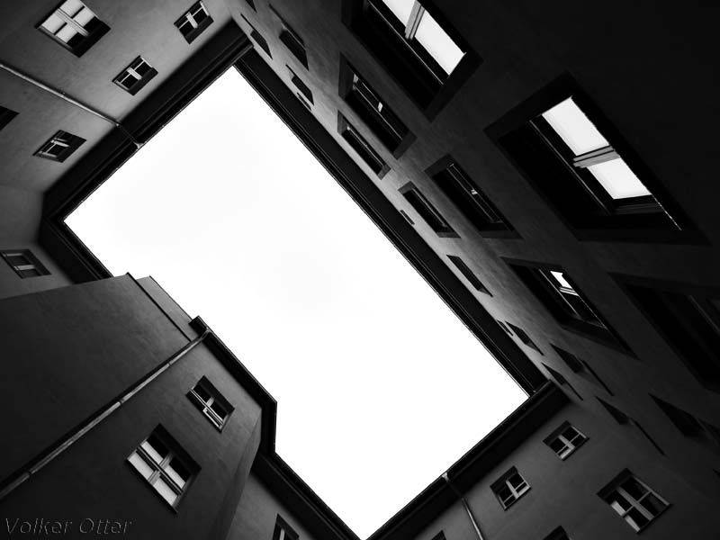 Kurzer Blick in den Himmel -Hofgang i im Sowjetgefängnis